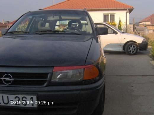 Opel Astra F  szemöldök