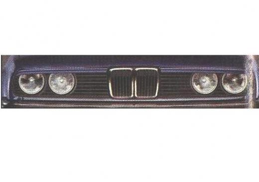 BMW E 30 szemöldök
