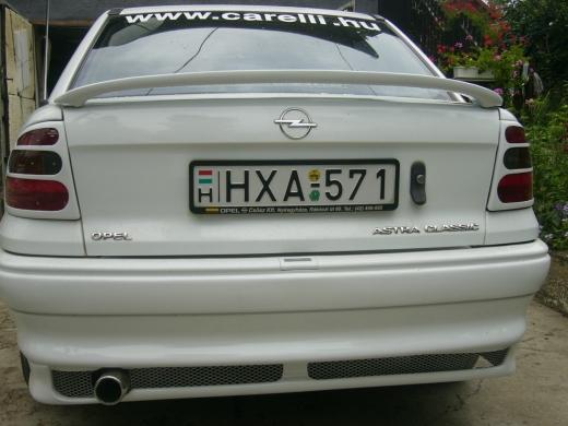 F astra sedan hátsó toldat