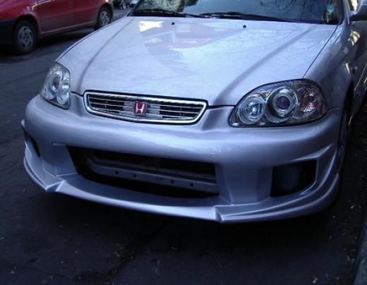 Honda Civic elsõ lökhárító