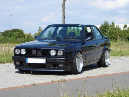 BMW E30elsõ toldat